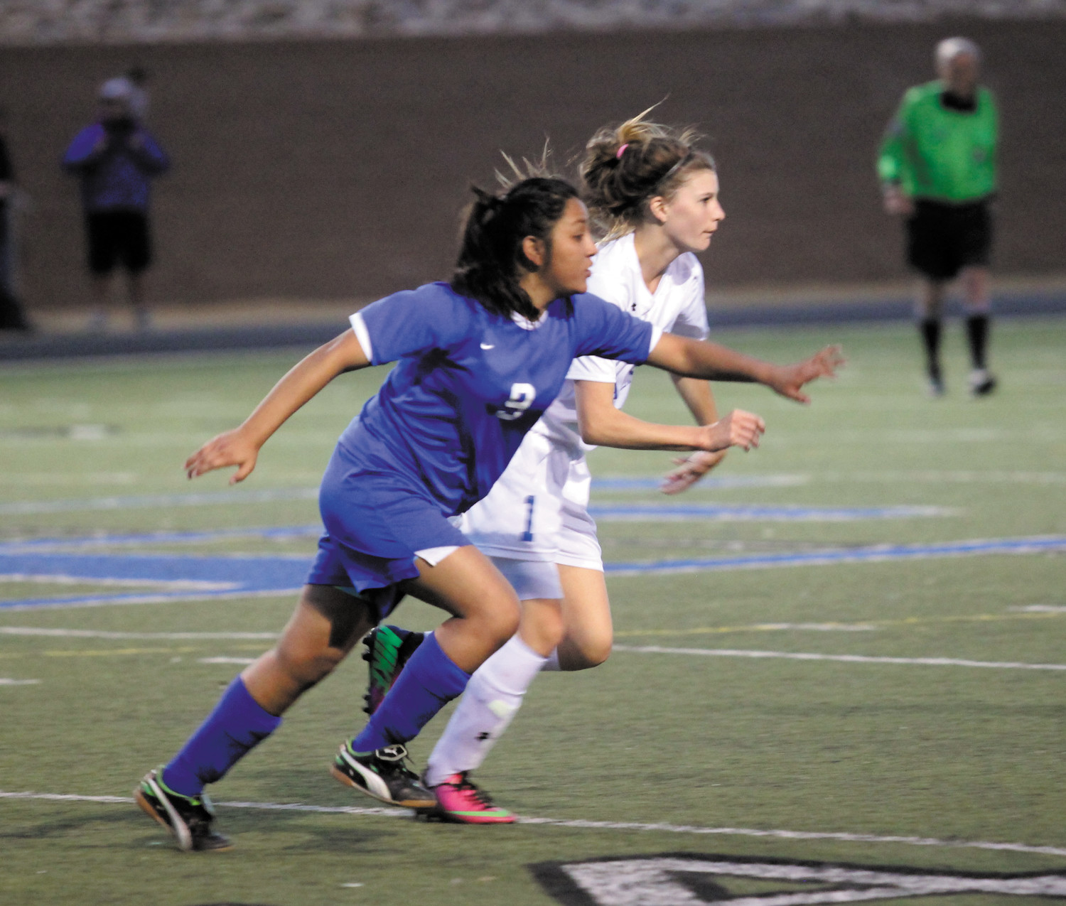 Alameda's Lizabeth Garcia (9) tried to beat an Englewood player to a loose ball during a league game in 2015. Garcia won control of the ball and helped Alameda to mount an attack.