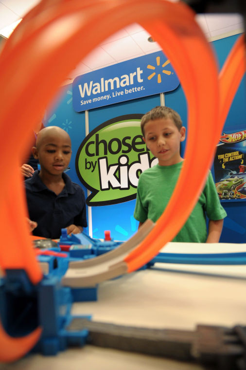 Wal Mart Lets Kids Pick Hot Toys For Holidays The Sumter Item