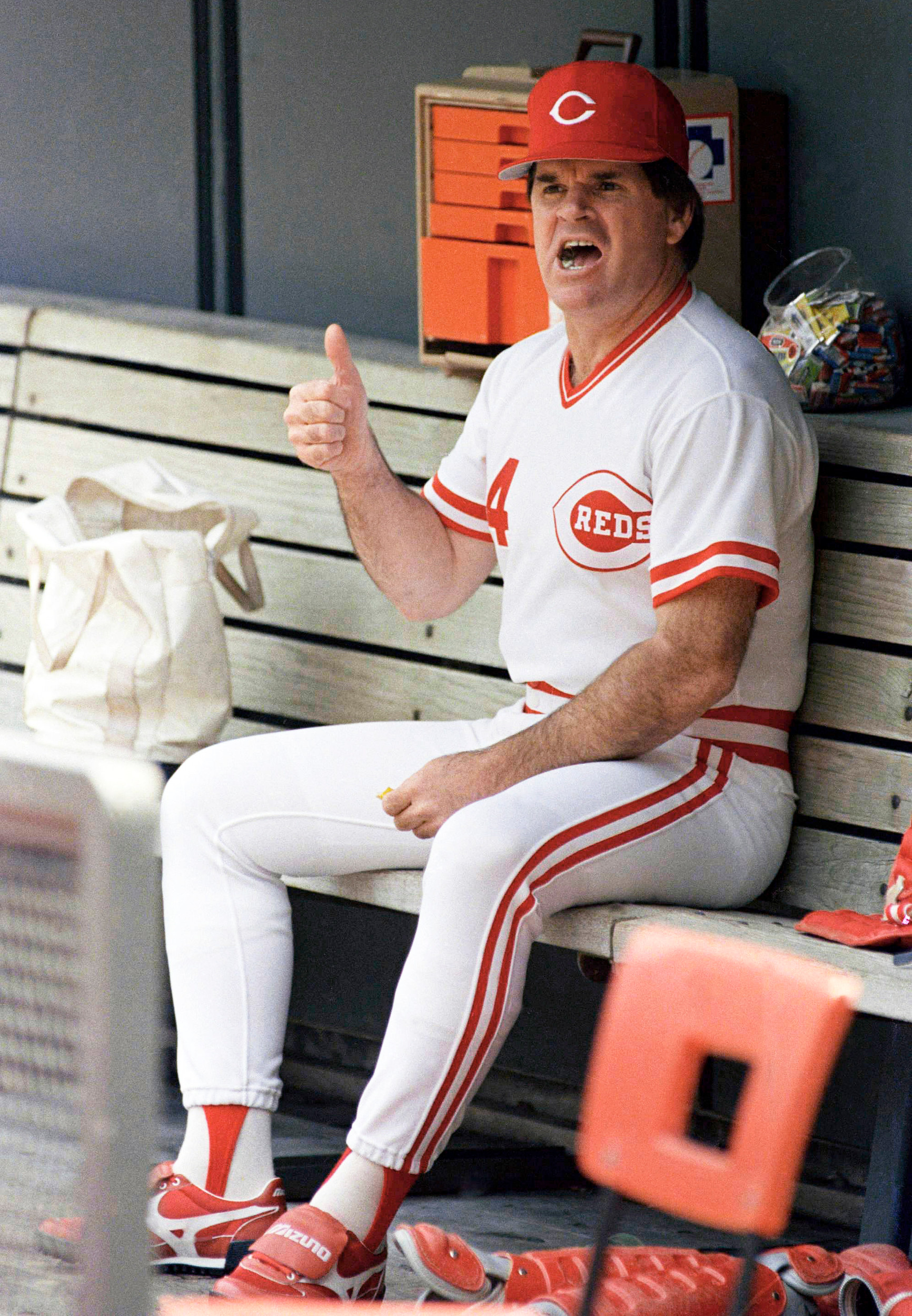 pete rose baseball scandal essay Pete rose accused of statutory rape by woman who claims she had baseball great pete rose has been accused of but claimed in court papers it began.