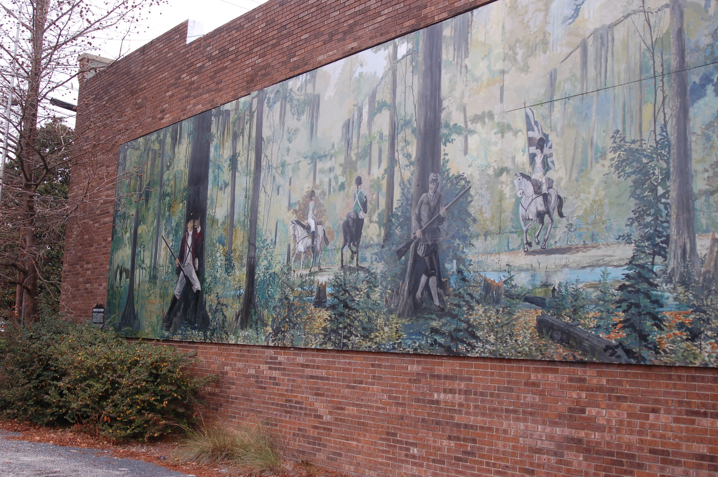 The first mural in Clarendon County was completed in 2001. The mural is on the Manning Fire Department building and depicts a battle scene from the American Revolutionary War. The mural was painted by Stateburg resident Will Anderson in 2001.