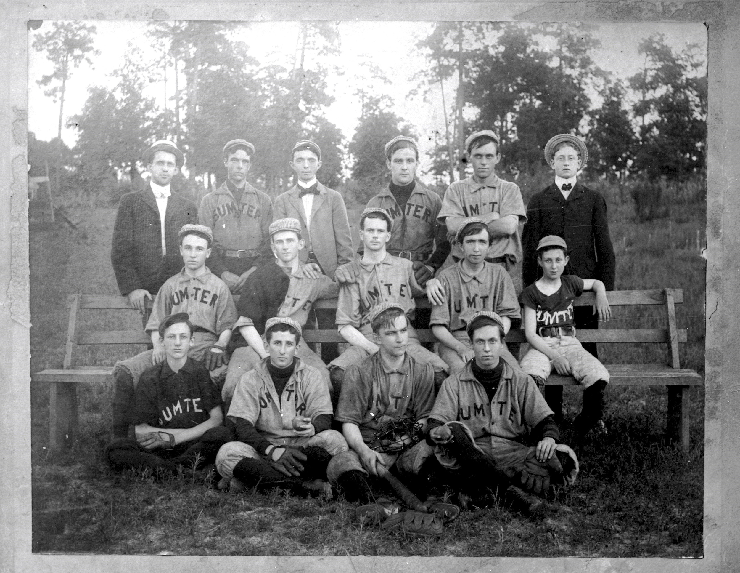 This photo shows the 1900 baseball team.