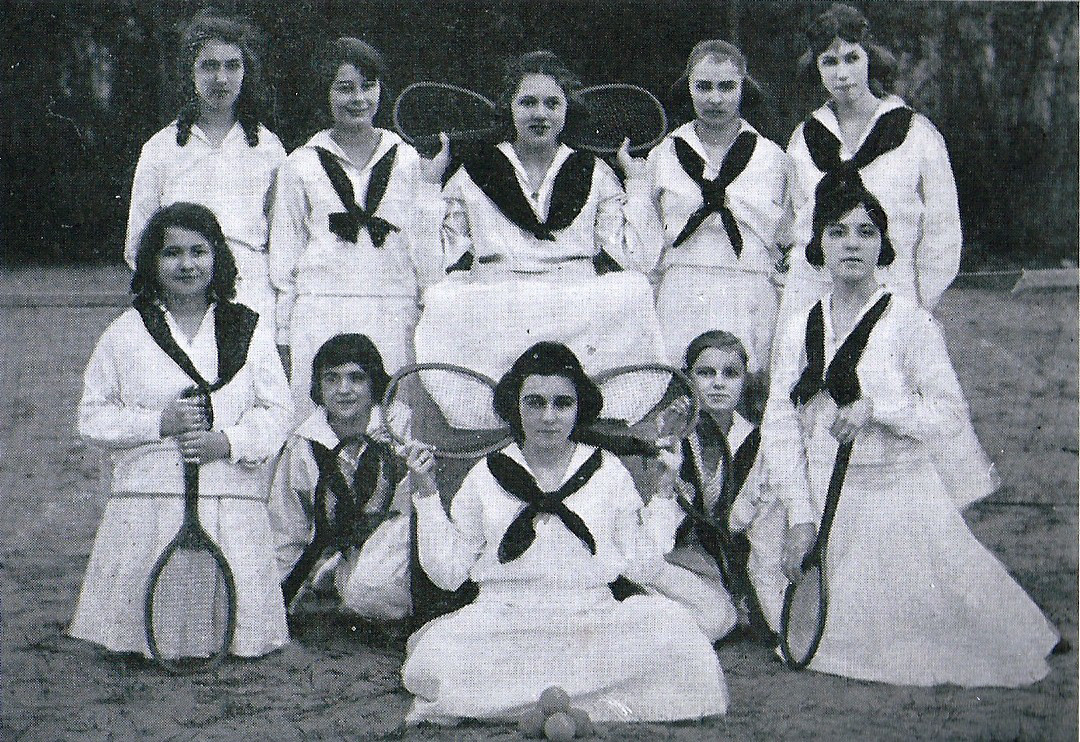 The 1920 Sumter High School girls tennis team.