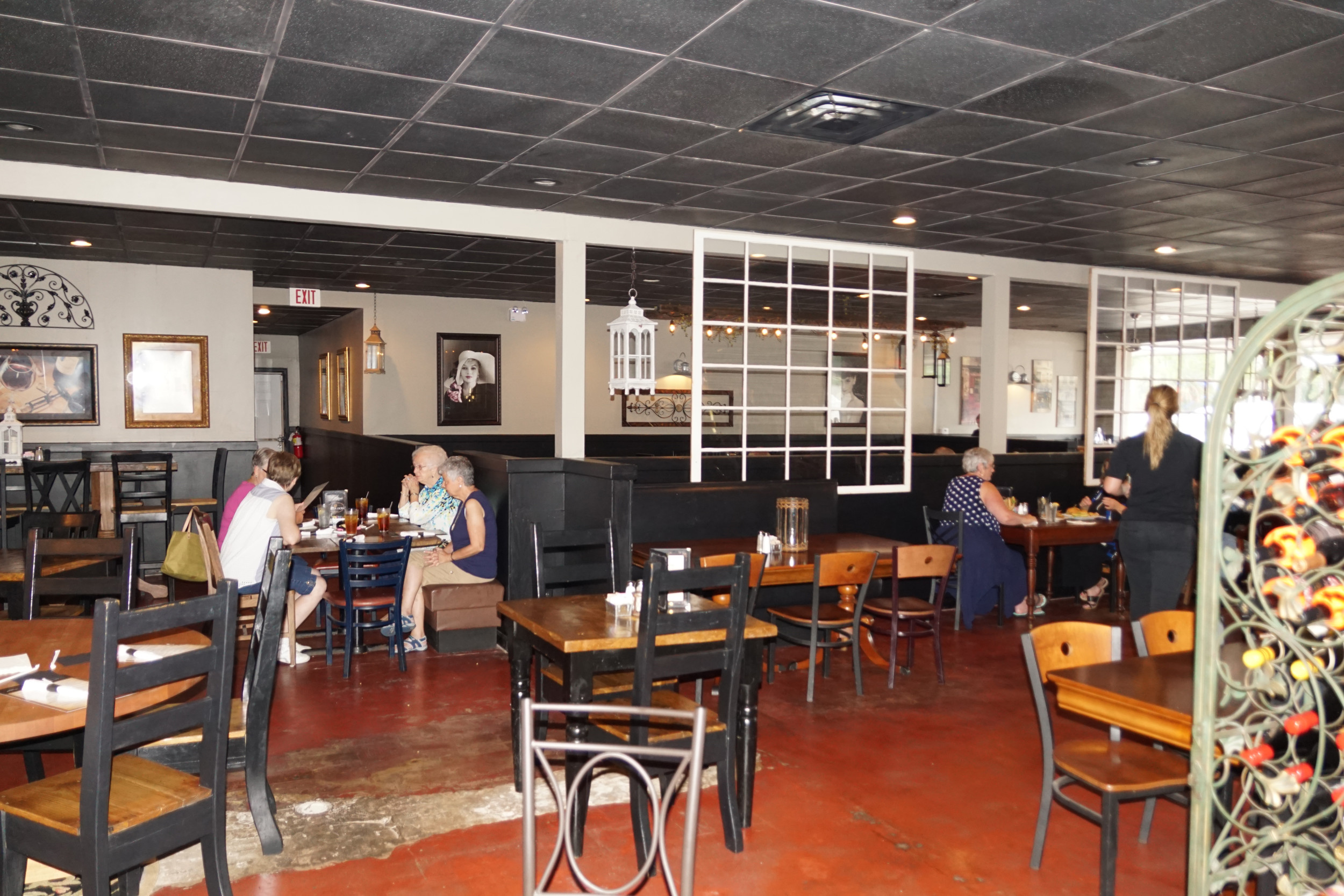 Porter Jacks Grill in Manning promises fine dining in a family atmosphere.