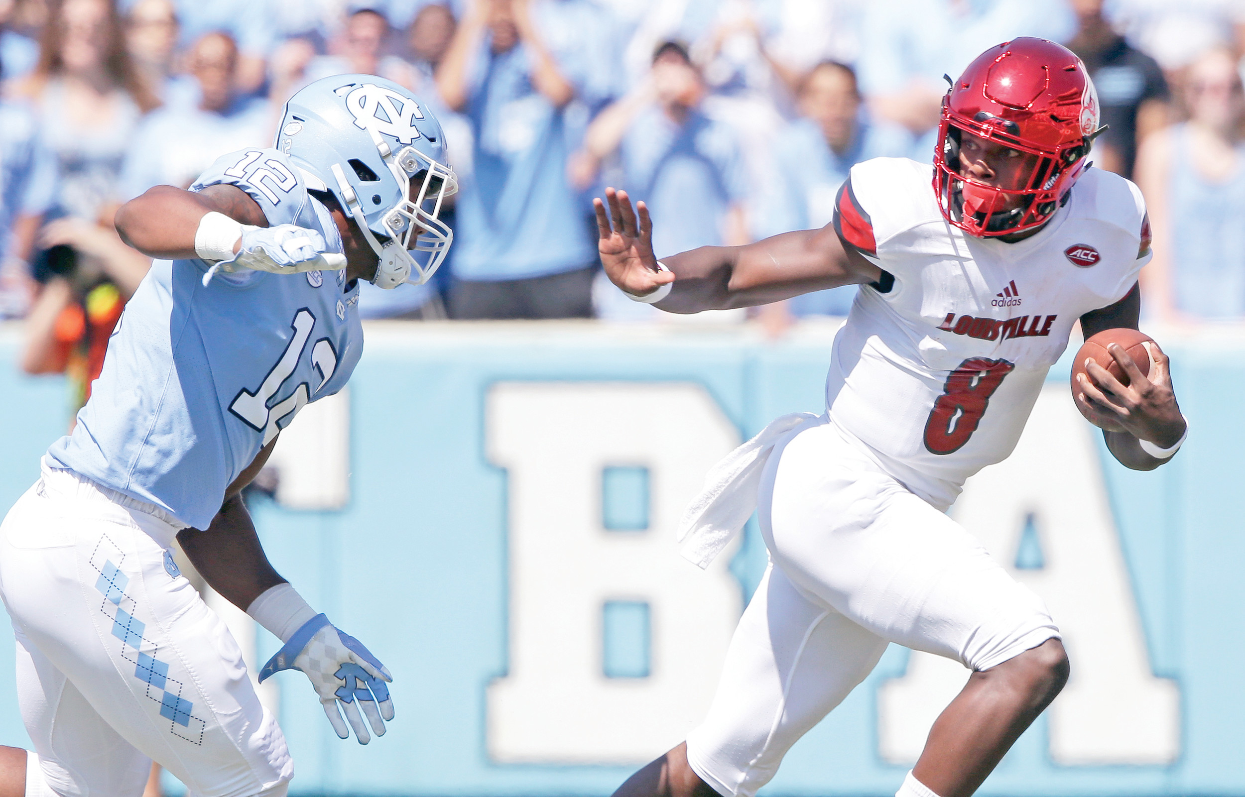 Clemson's defense, which has not allowed a touchdown this season, will get its biggest test on Saturday when it travels to Louisville, Kentucky, to face the reigning Heisman Trophy winner, Louisville quarterback Lamar Jackson (8), who leads the nation in total offense at 505 yards per game.