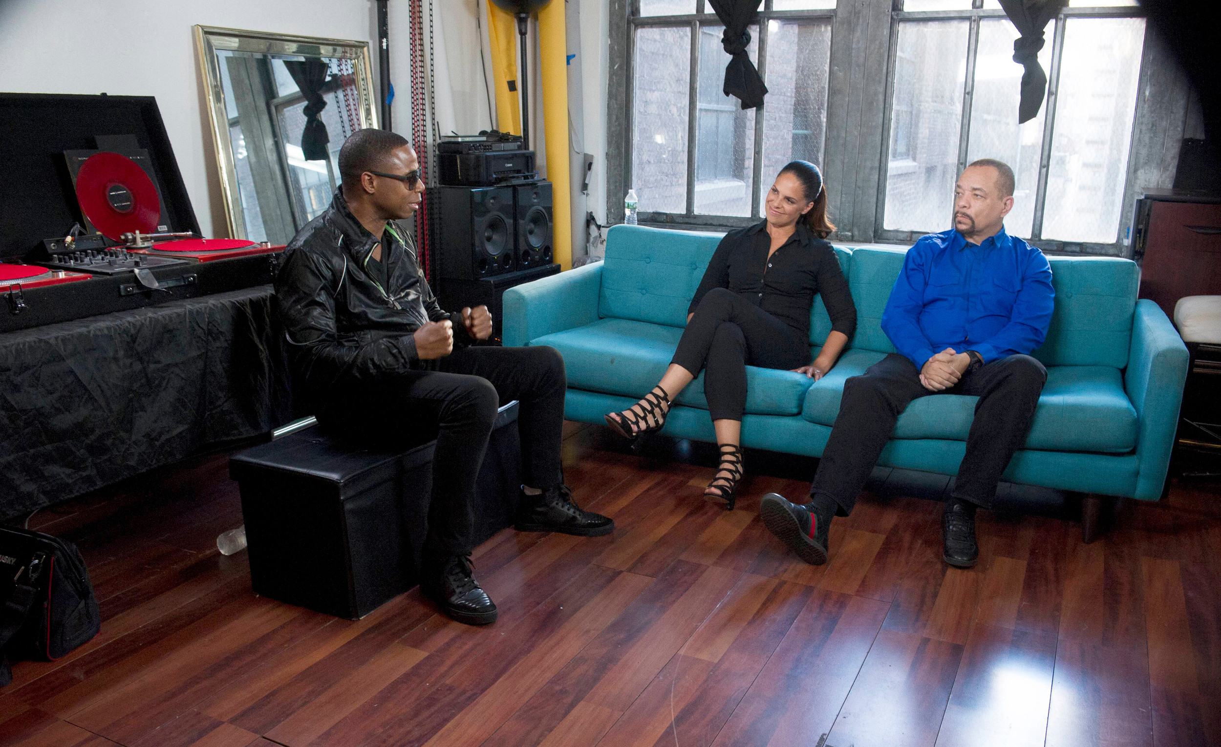 "Rapper Doug E Fresh, left, meets with journalist Soledad O'Brien, center, and actor and rap music icon Ice-T, right, on the two-hour investigative crime special ""Who Shot Biggie & Tupac?"" airing at 8 p.m. Sunday on FOX."