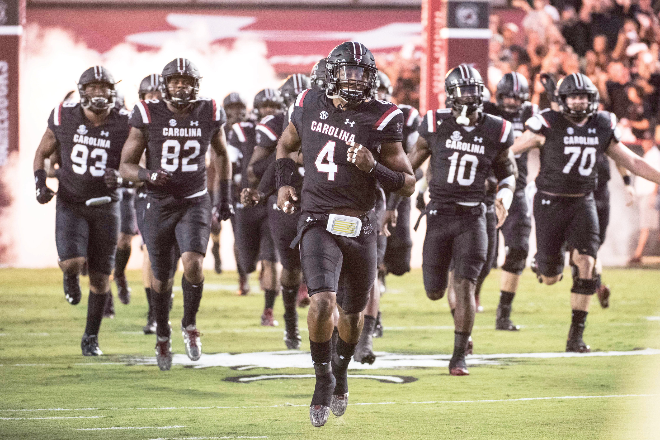 South Carolina suffered another devastating injury on Saturday when starting linebacker Bryson Allen-Williams (4) went down. He had shoulder surgery this week and is out for the rest of the year, which is more than likely the same diagnosis for wide receiver Deebo Samuel.