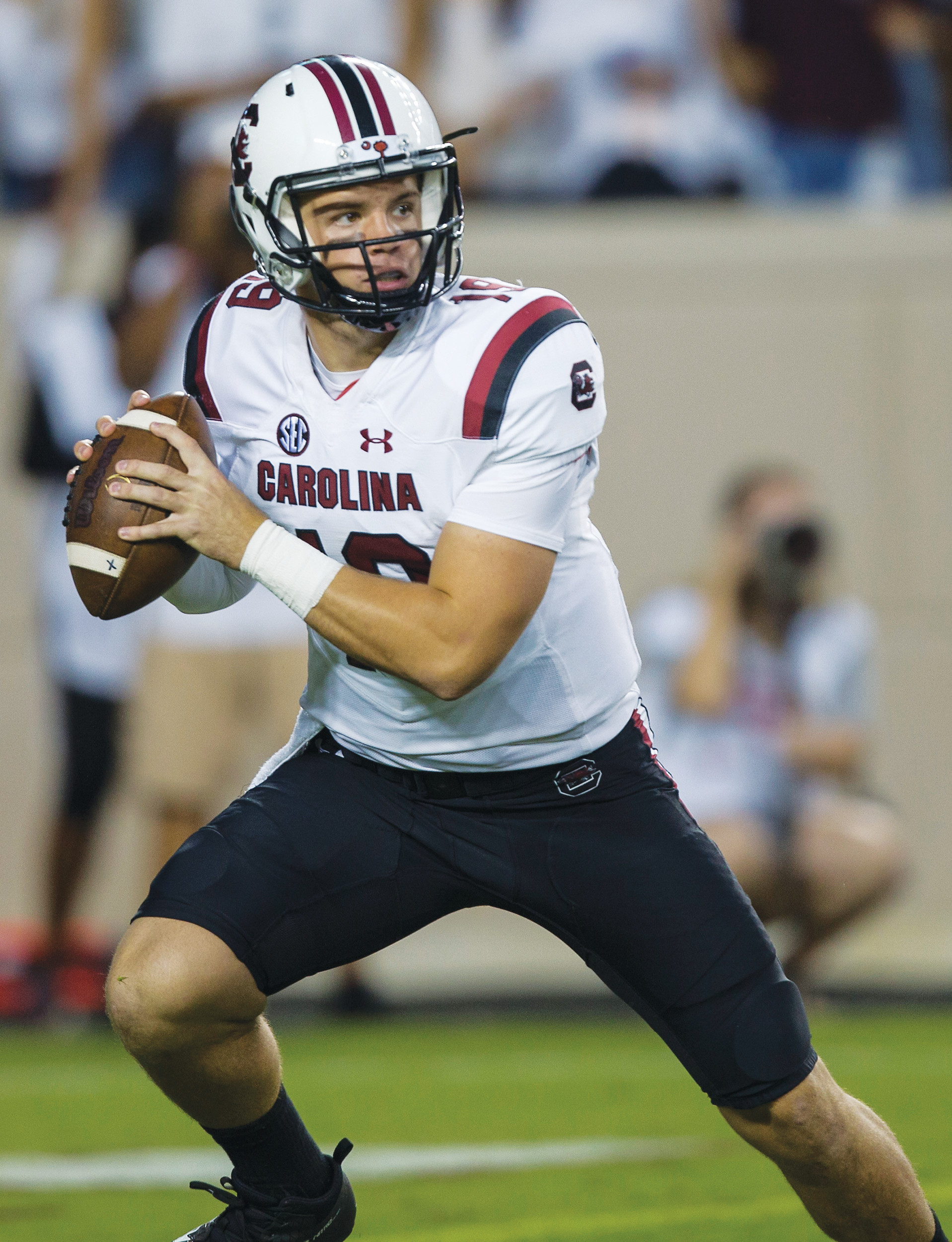 South Carolina quarterback Jake Bentley (19) looks to pass down field against Texas A&M during the first quarter of their game in College Station, Texas. After getting a firsthand look at how a quarterback switch caused South Carolina to heat up late last season, Tennessee is hoping its own shake-up provides a similar spark. South Carolina was 2-4 last season when the Gamecocks abandoned plans to redshirt Jake Bentley and moved the freshman to the top of their depth chart. Tennessee now wants to flip the script, as redshirt freshman Jarrett Guarantano makes his first career start Saturday when the Volunteers host the Gamecocks.