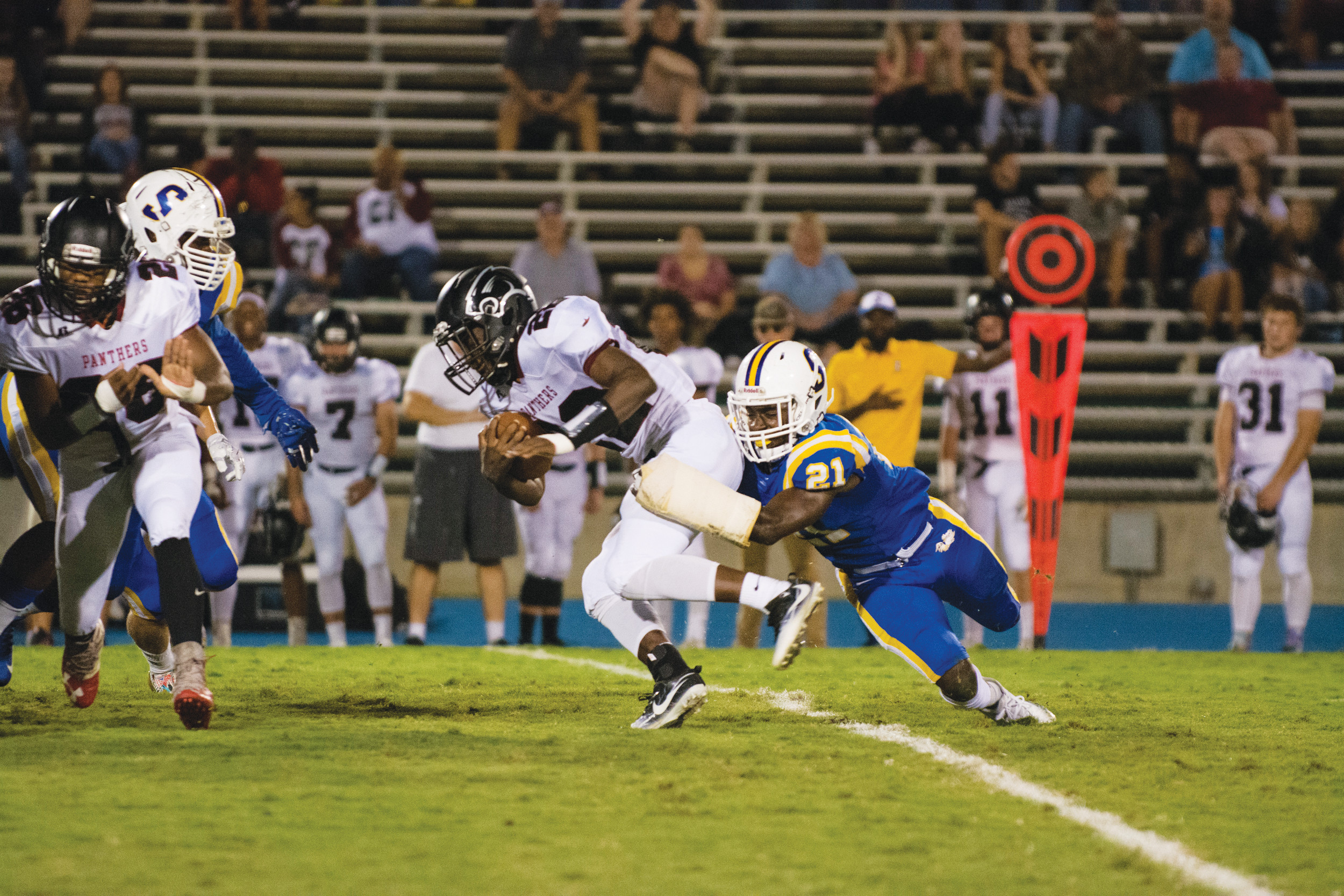 Sumter Pulls Away For 29 20 Victory Sets Up Region Showdown With
