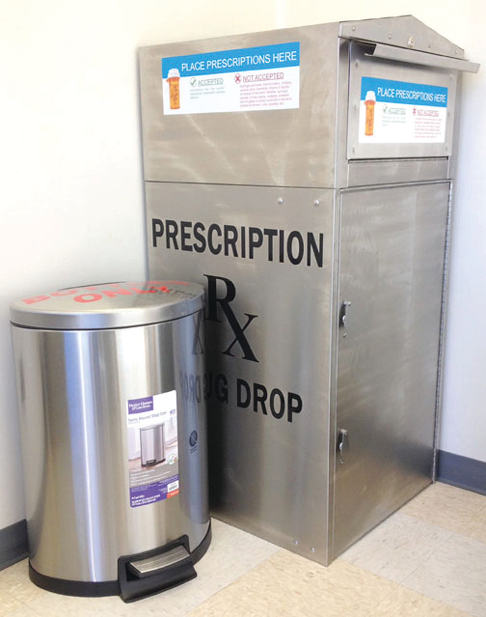 Clarendon Behavioral Health Services has placed a drop box for unwanted medicines in the lobby of Clarendon County Sheriff's Office at 217 Commerce St. Individuals should bring the medicine in the proper containers with all of its identifying information marked off the bottles or containers, leaving just the name of the medication visible. Individuals transporting a bag of pills without the accompanying bottle or container could be charged if they're stopped by a law enforcement official. Individuals should dump the medicine in the drop box and put the medicine containers in the trash can that is located beside the drop box.