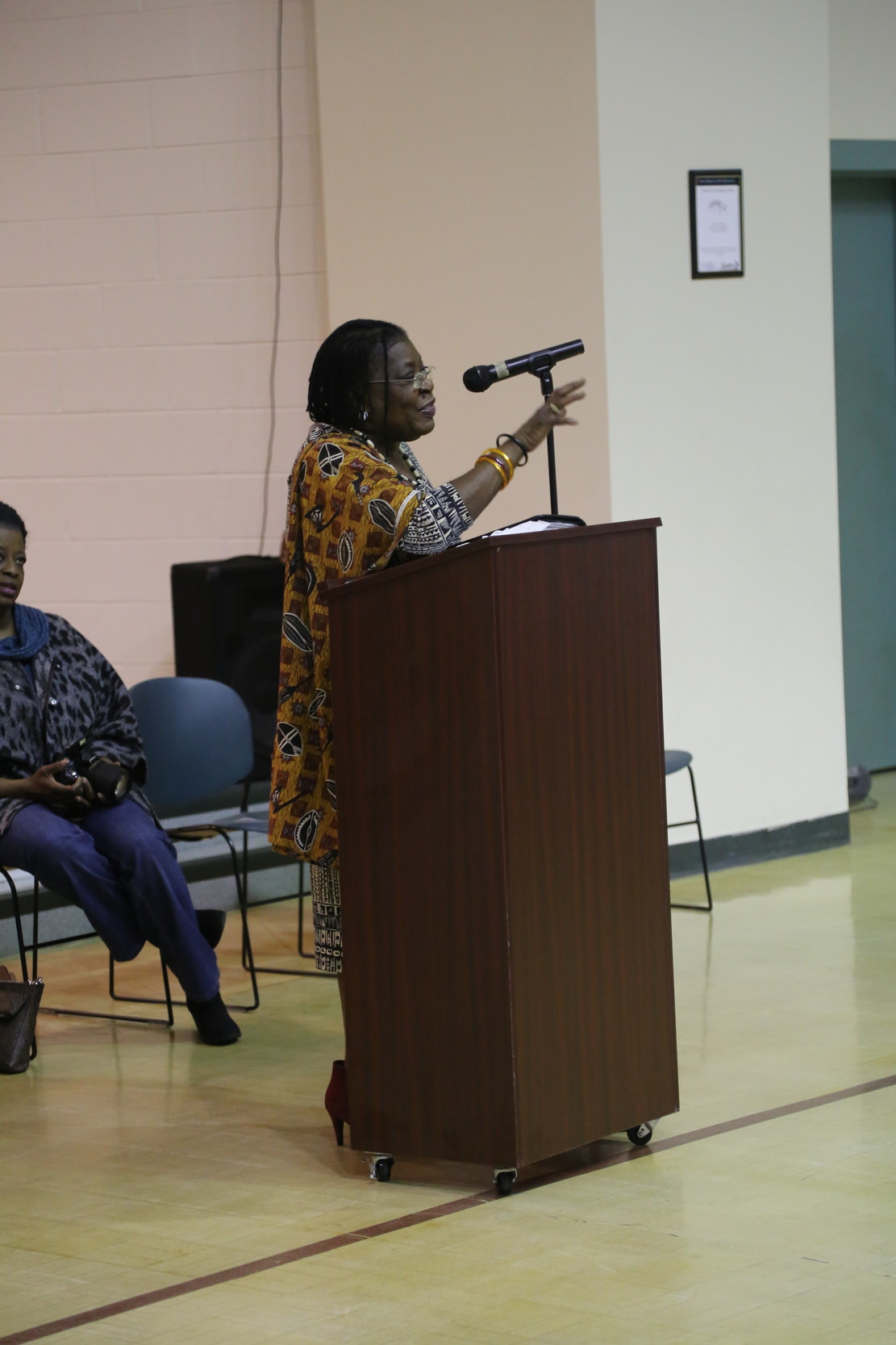 Former South Carolina senator Maggie Glover speaks to mothers at an event called Muffins with Mom, hosted by Head Start, at the North HOPE Center on Wednesday.