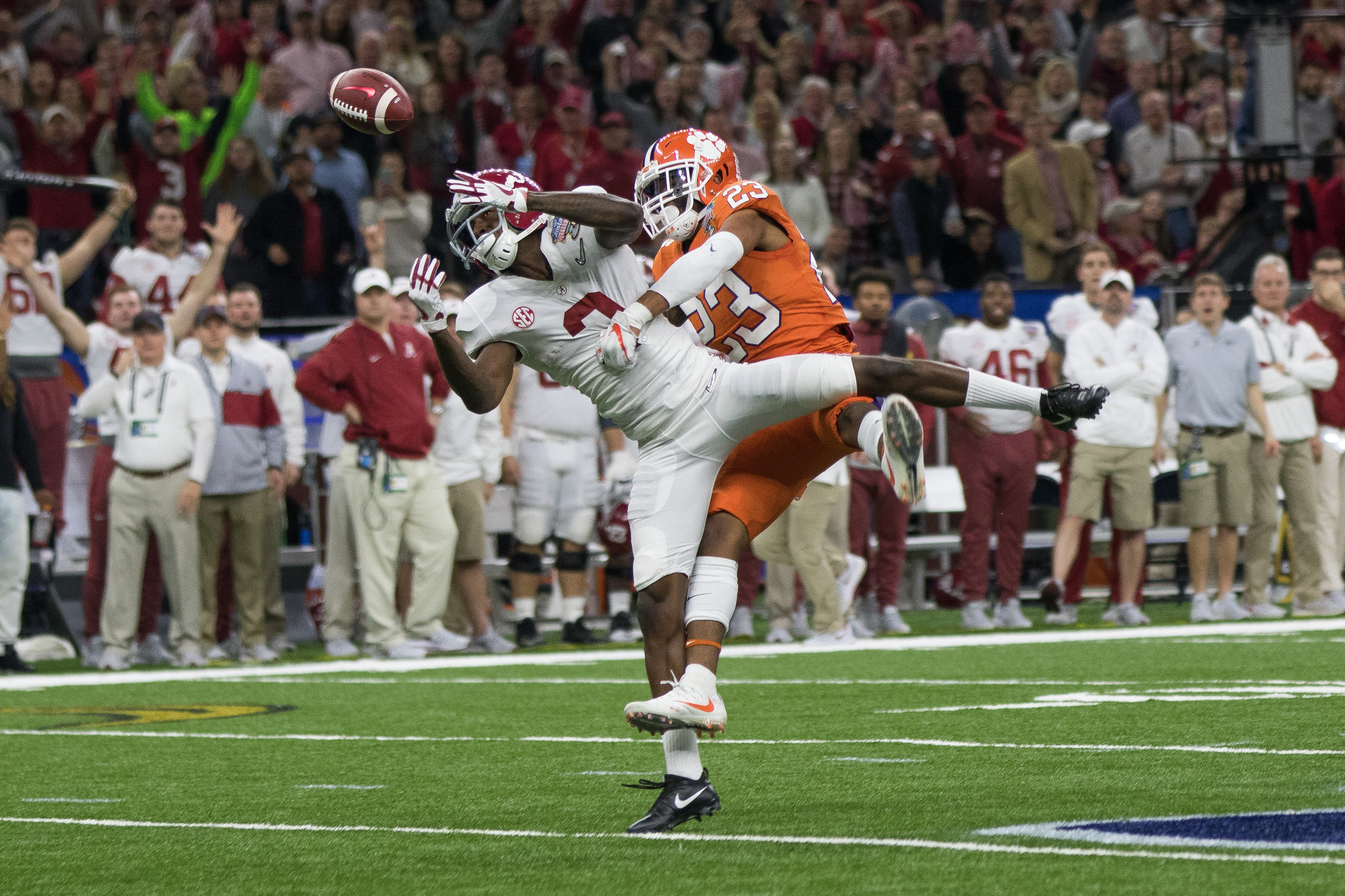 Clemson safety Van Smith tries to break up the ball during the first half of the Allstate Sugar Bowl.