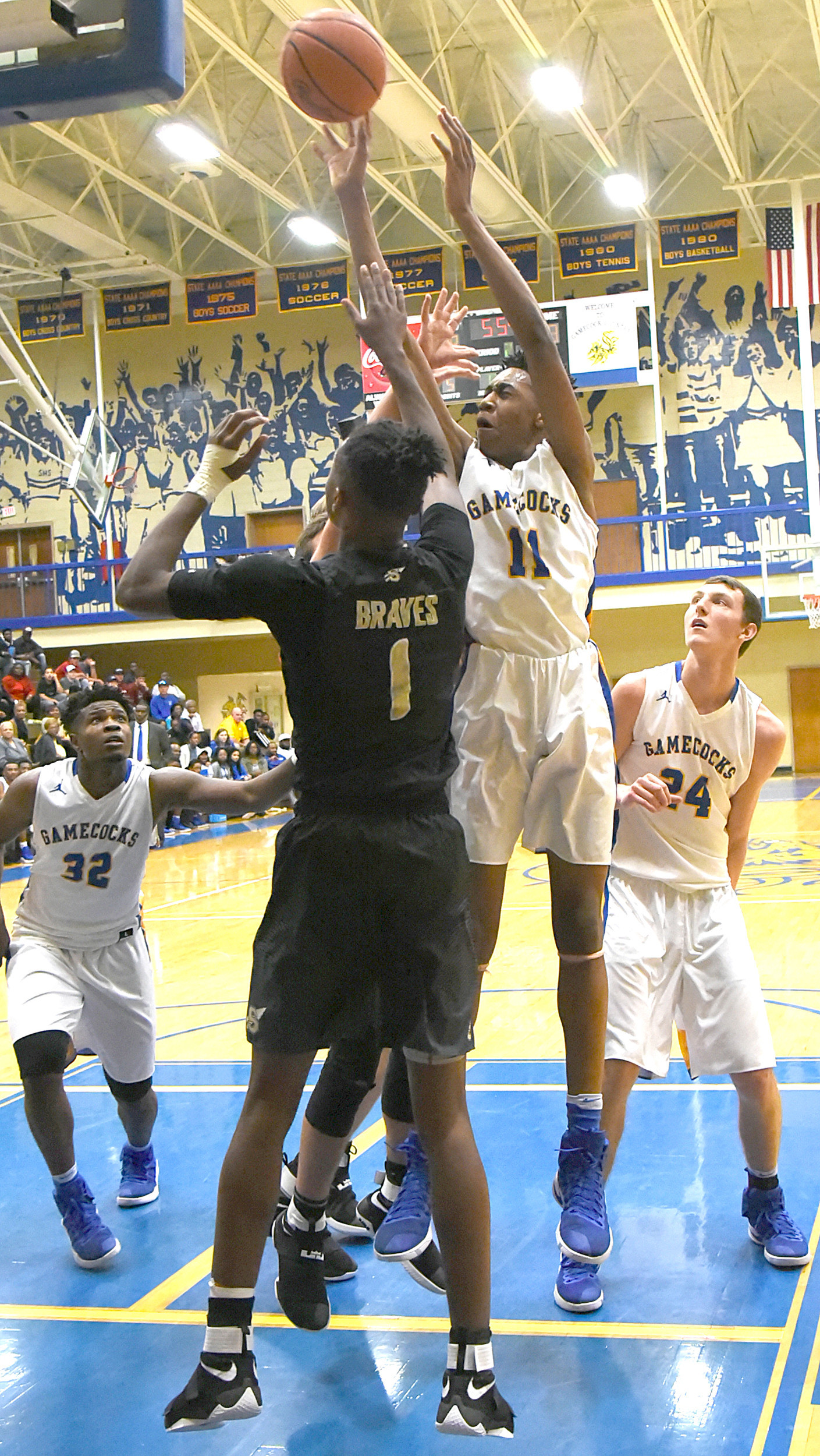 Isiah Moore (11) scored 34 points in Sumter's 87-53 victory over Socastee on Friday at the SHS gymnasium.