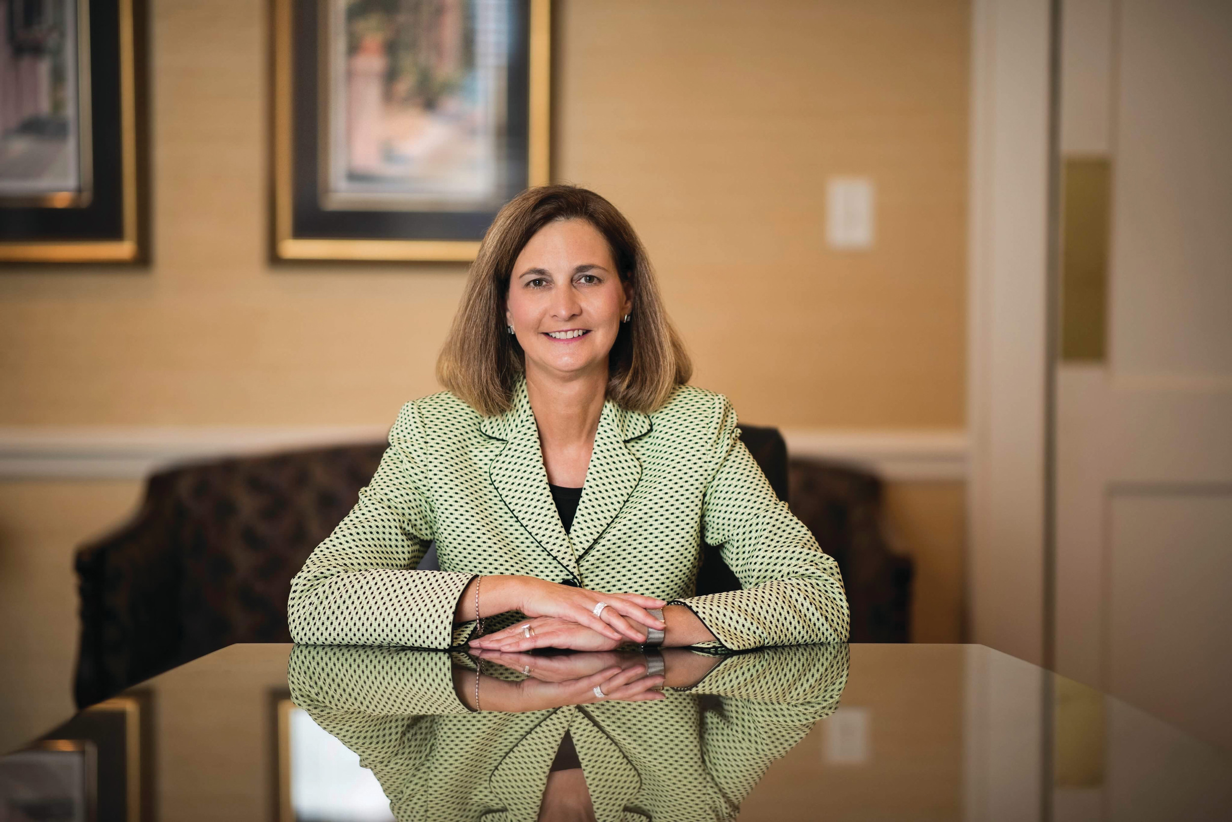 Vonda Mociun recently joined the Bank of Clarendon's board of directors.