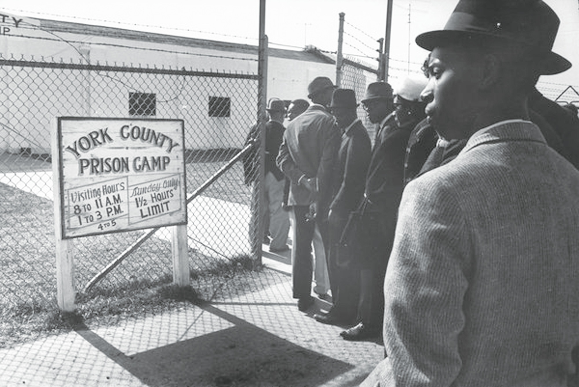 PHOTOS PROVIDED BY WWW.ZINNEDPROJECT.COM Supporters of the Friendship Nine visit the York County Prison Farm in 1961.