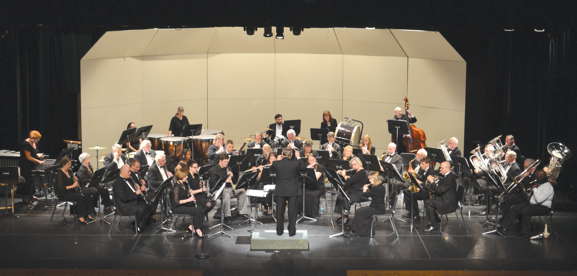 The Sumter Community Concert Band will present a spring concert Sunday afternoon at Patriot Hall. Admission to the concert is free.