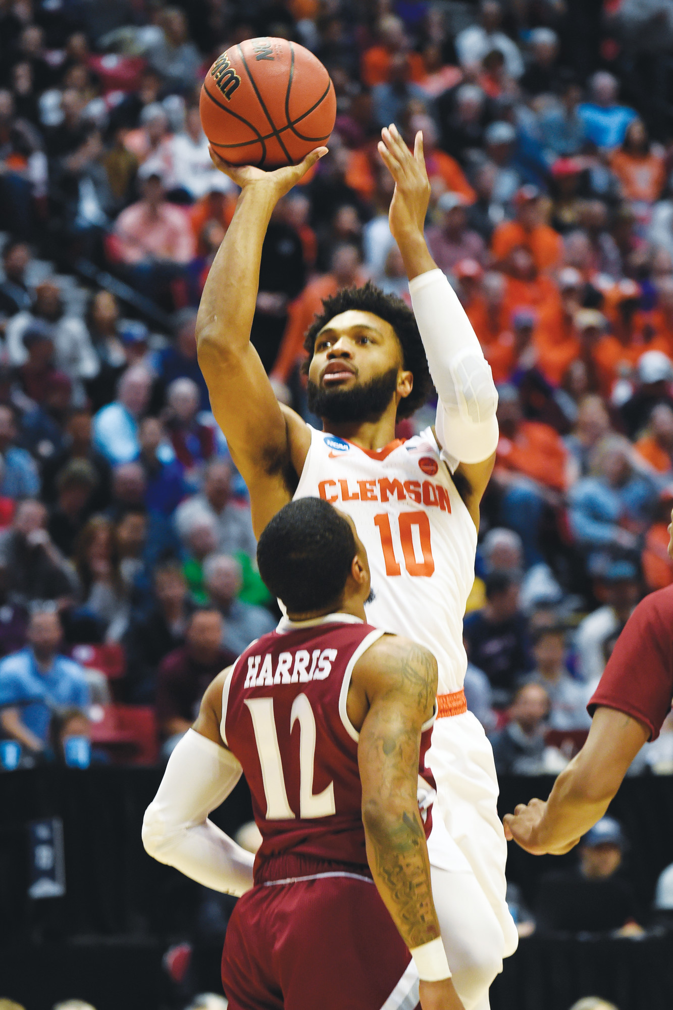 Clemson guard Gabe DeVoe (10) and the rest of the Tigers will be taking on Kansas in a Sweet 16 contest of the NCAA tournament on Friday.