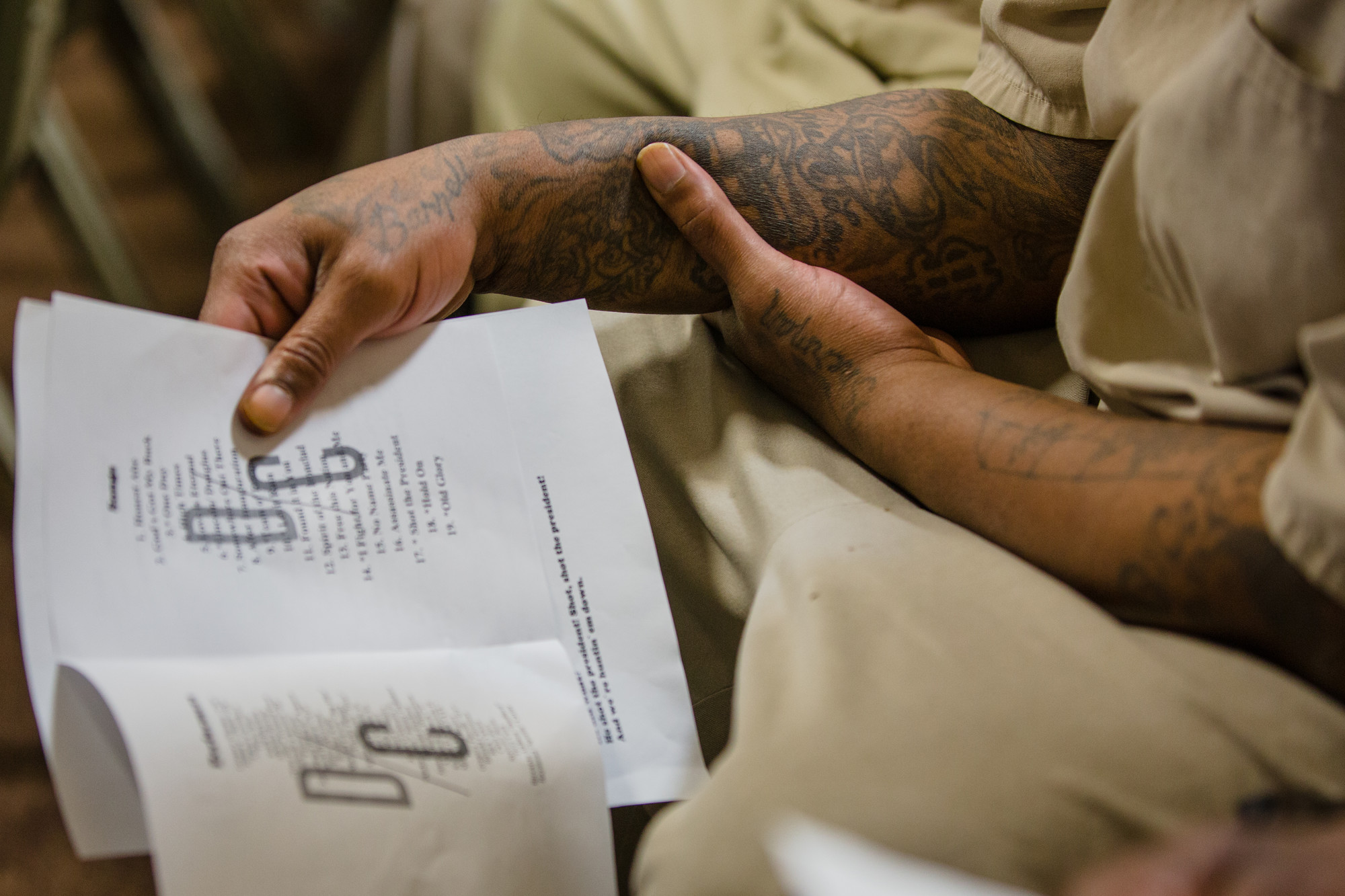 A Lee Correctional Institution inmate looks at the DECODA program.