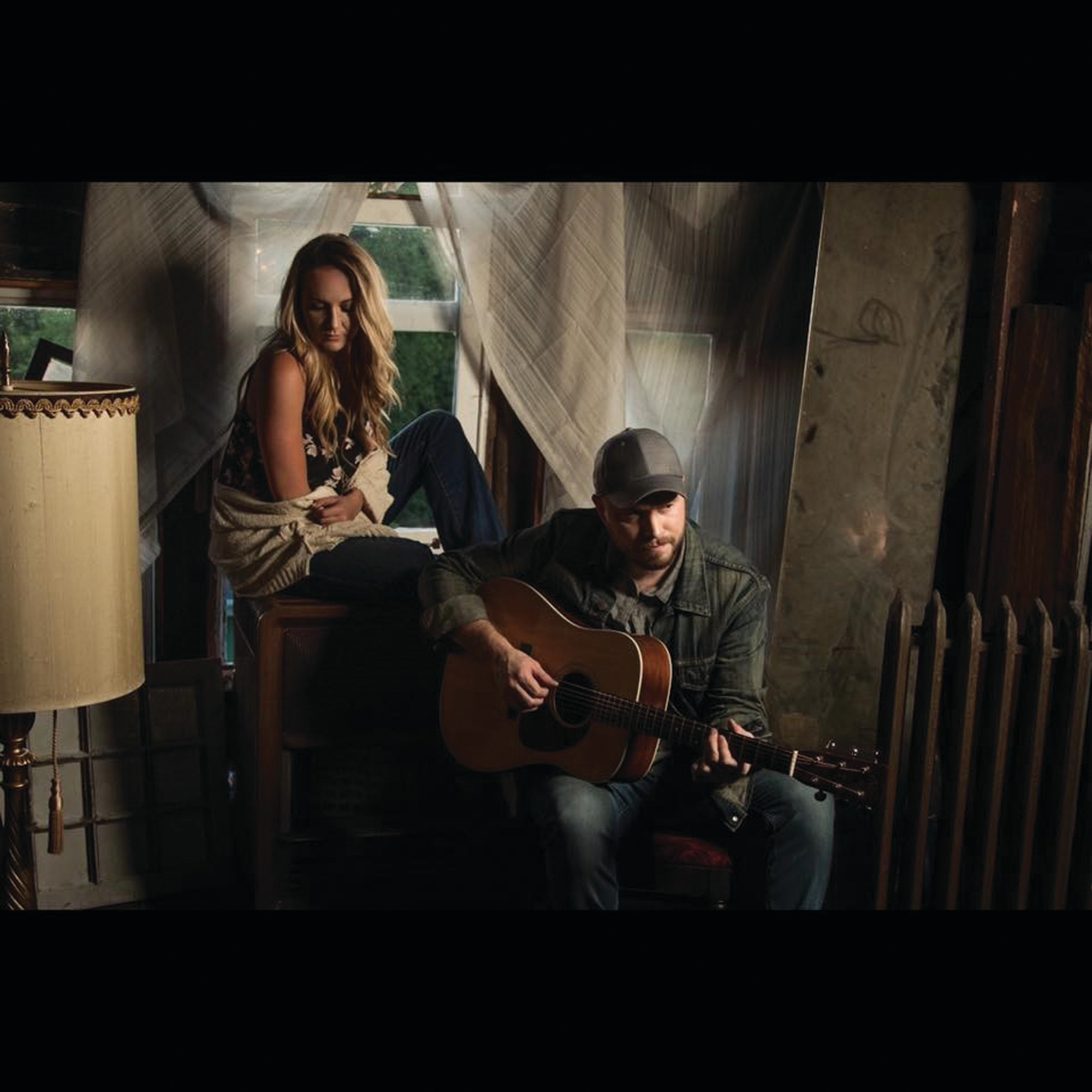 Blue Honey, the husband-and-wife duo of Troy Brooks and Kassie Jordan of Nashville, will sing their original country and American songs during the evening at the Opera House.