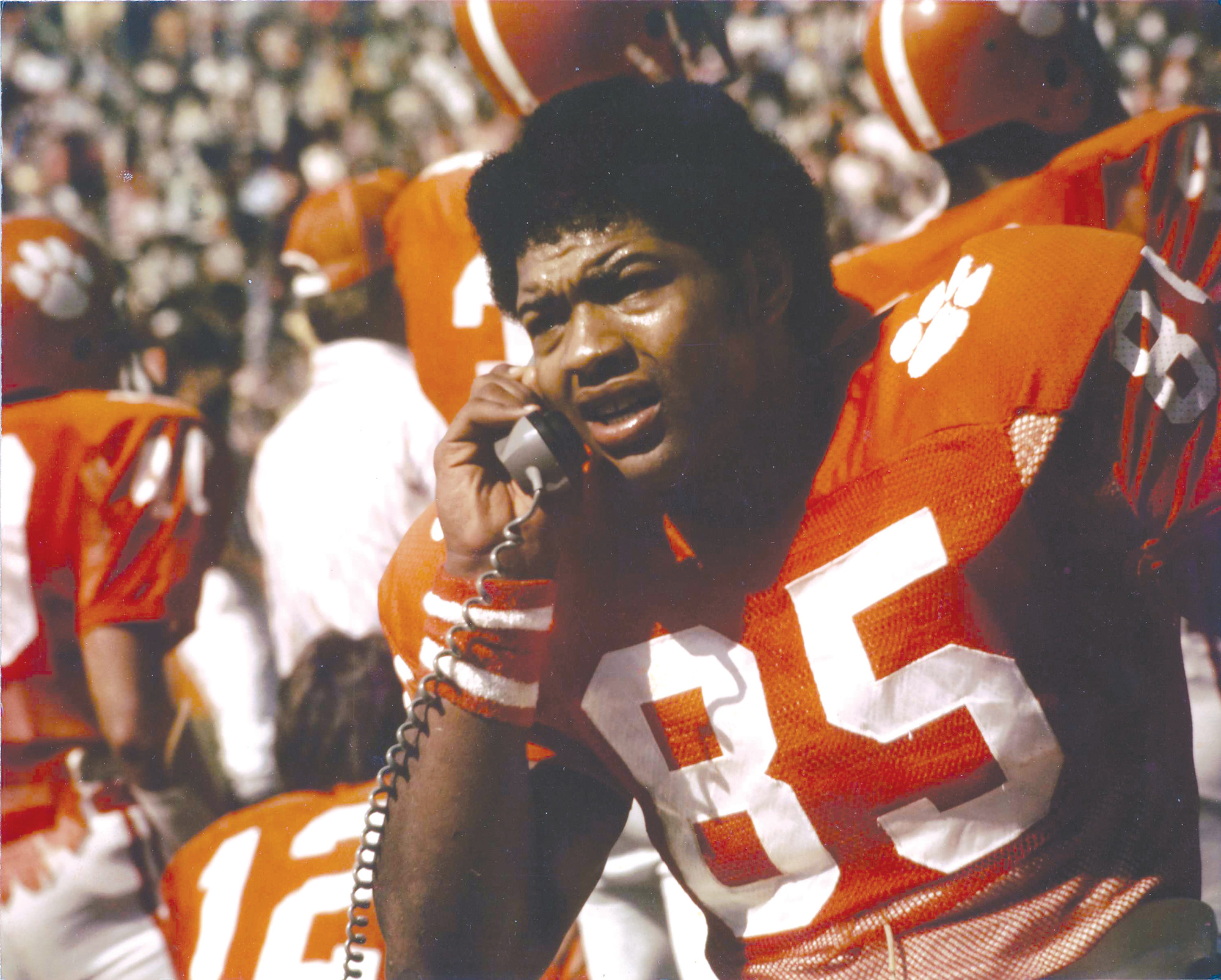 Clemson All-American tight end Bennie Cunningham passed away on Monday at the age of 63.