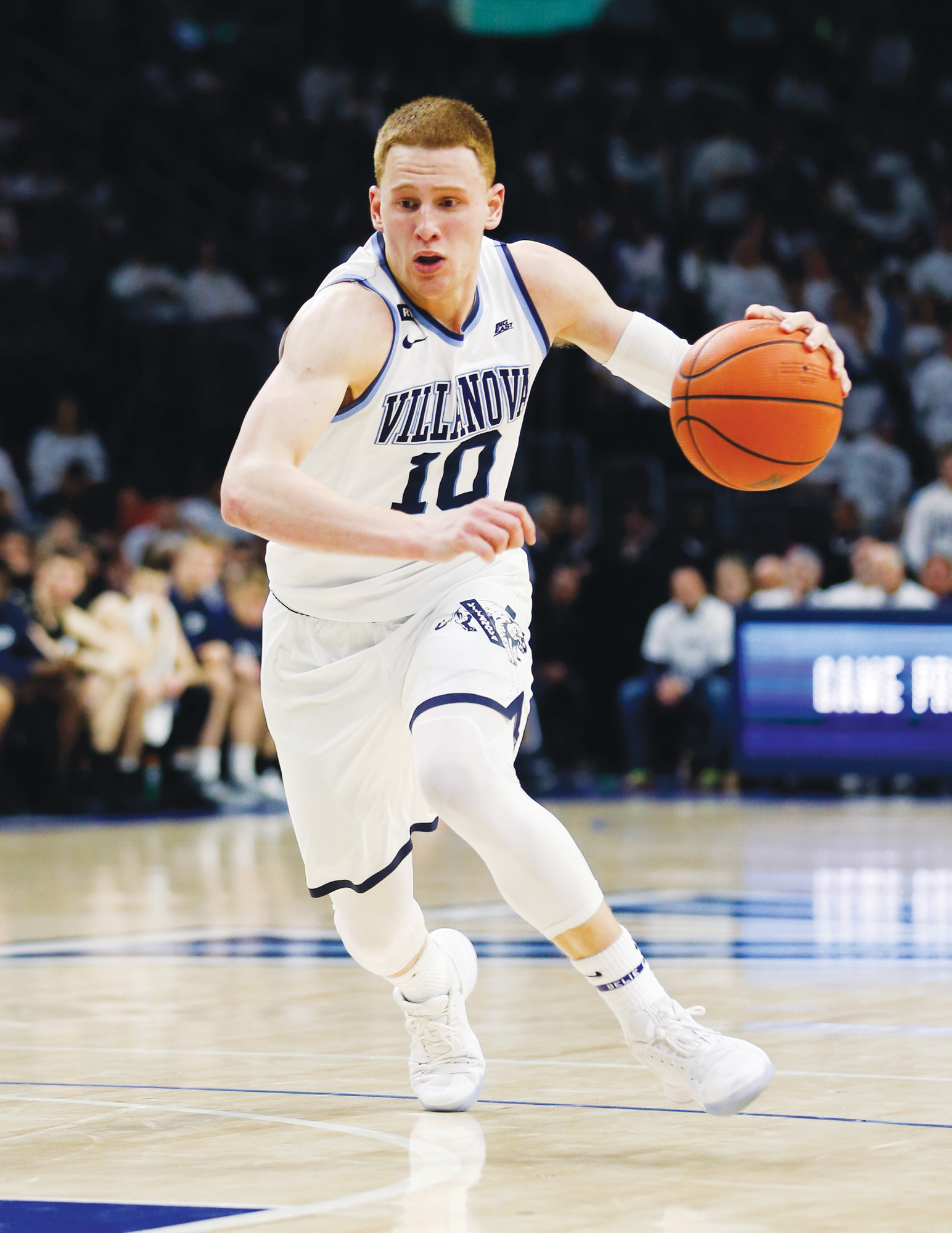 56bc593c46d7 Villanova guard Donte DiVincenzo (10) was the surprise star of the NCAA  championship game
