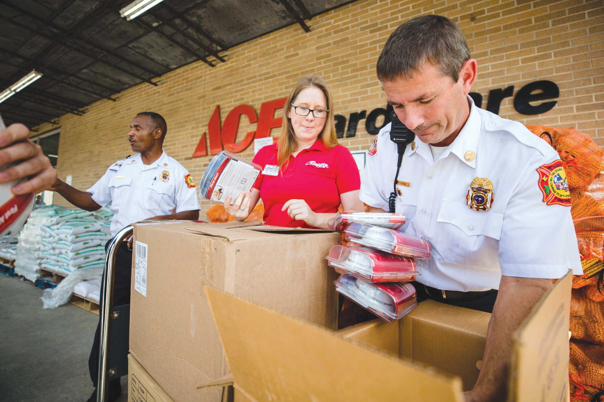 "Simpson ACE Hardware donated 187 smoke detectors to Sumter Fire Department on Thursday, something the store has made a habit of doing on occasion. ""What they think is small is major to us,"" said Fire Prevention Specialist Selena Ruth Smith. Along with Smith, Division Chief Johnny L. Rose, Alice Drive A-Shift Engine 212 Lt. Daren Avins, Senior Master Firefighter Todd Kenneth Klavon and firefighter Nicholas Hill were all present to accept the donation."