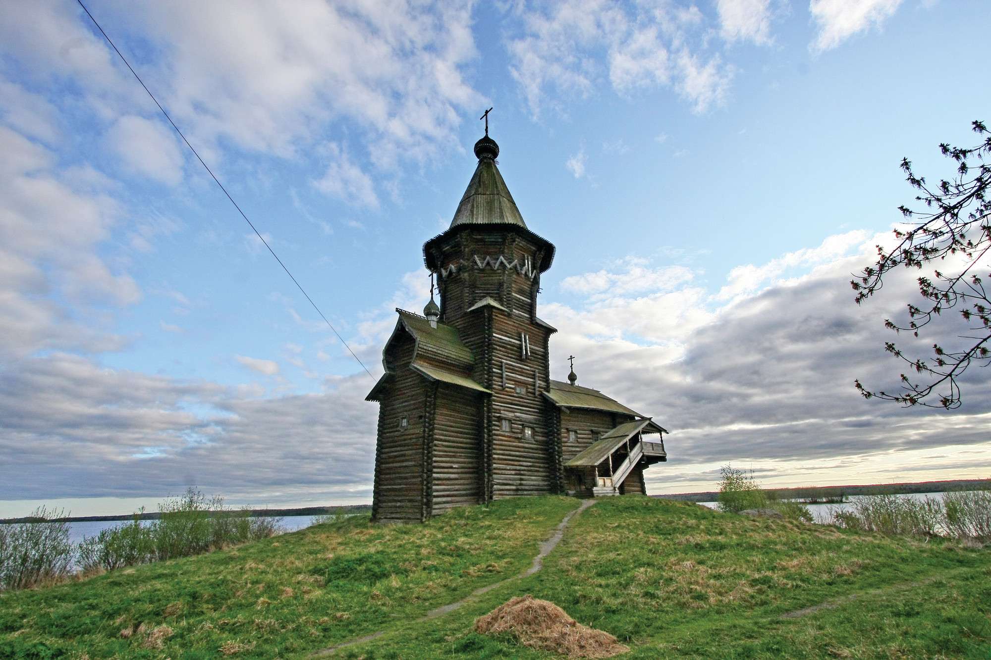 THE ASSOCIATED PRESSThe Dormition Church, widely seen as one of the most remarkable examples of Northern Russia's wooden architecture, was destroyed by a fire on Friday.
