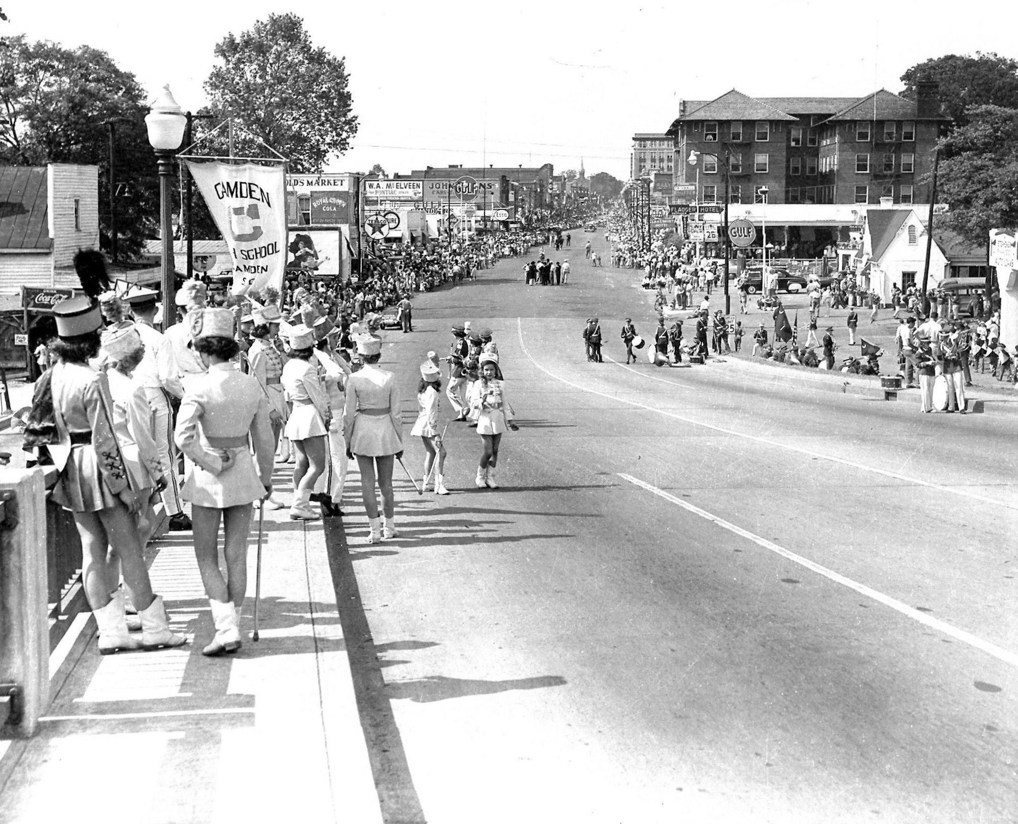 A pre-parade view from the Manning Avenue looking north up Main Street before the beginning of the 1950 sesquicentennial is seen.