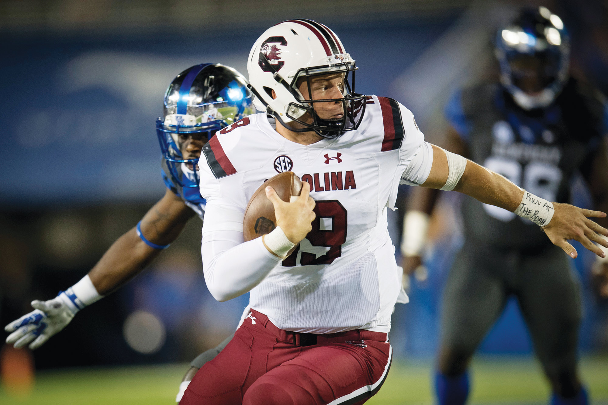 South Carolina head coach Will Muschamp expects Jake Bentley (19) to start at quarterback on Saturday against Texas A&M. Bentley missed last week's 37-35 victory over Missouri with an injury.