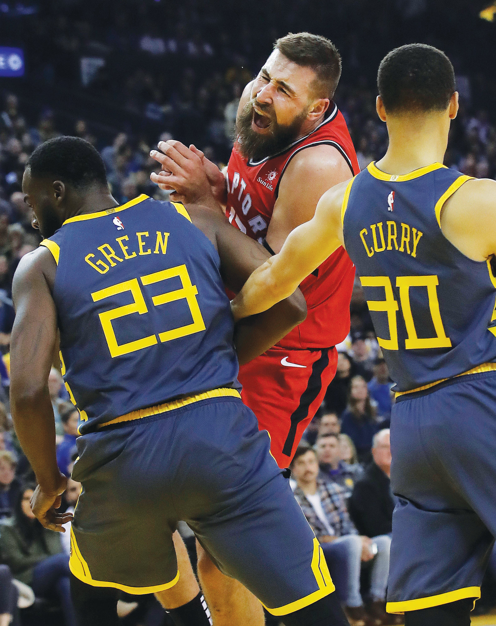 Raptors rout Warriors to cap season sweep