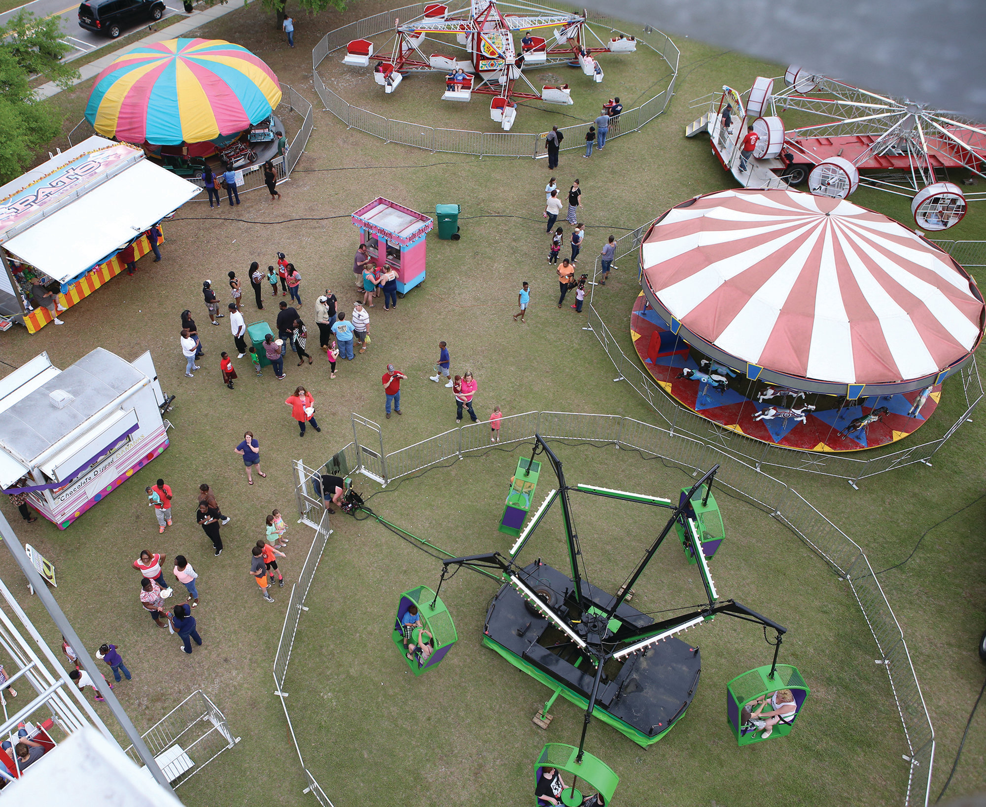 The Puddin Swamp Festival Midway.  (Keith Gedamke/The Item)