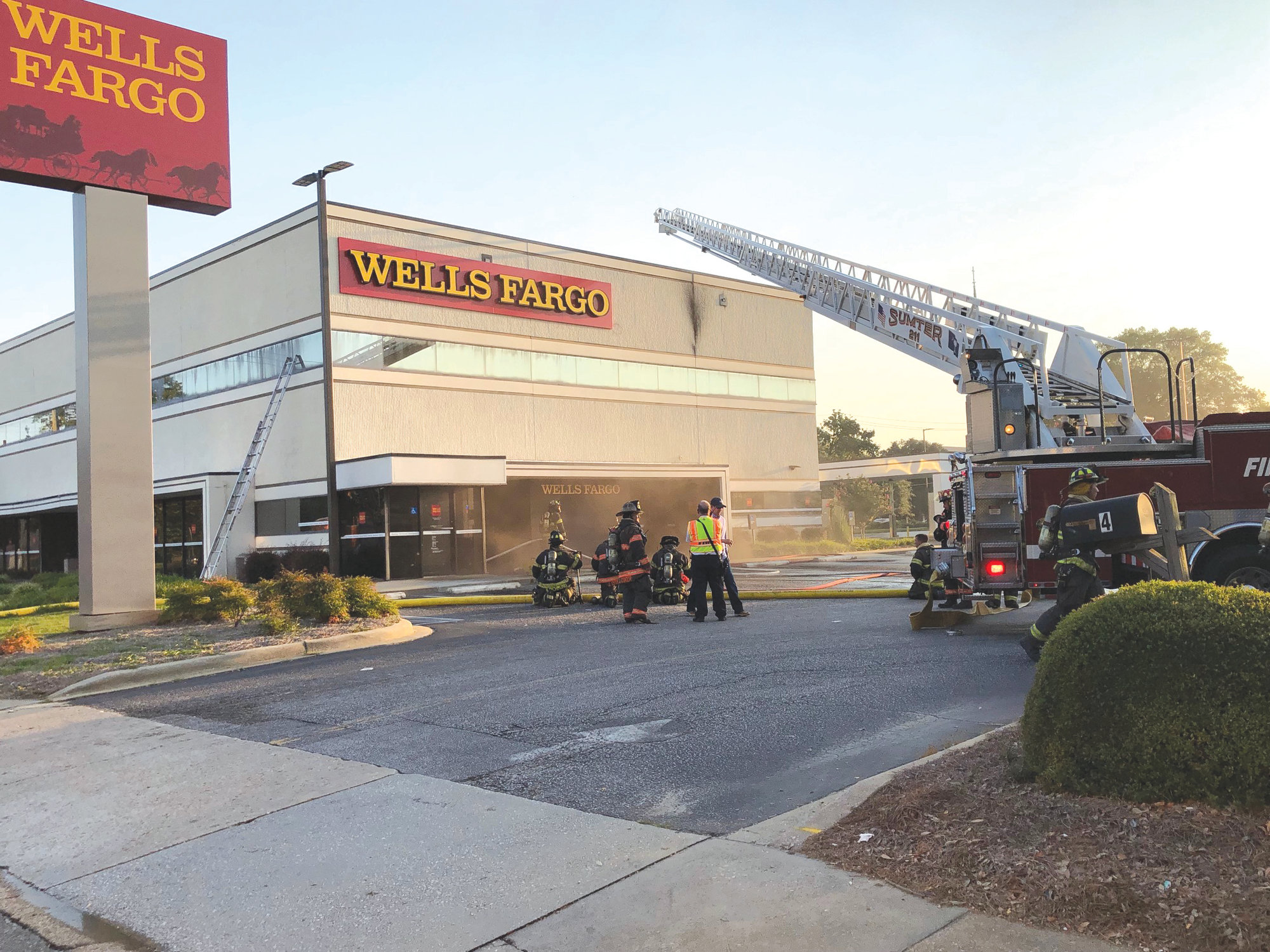 Sumter firefighters respond to smoke showing at Wells Fargo