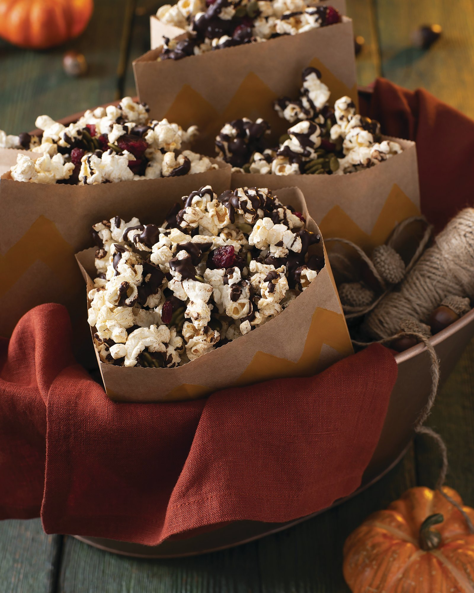 CRANBERRY & CHOCOLATE SPICED POPCORN