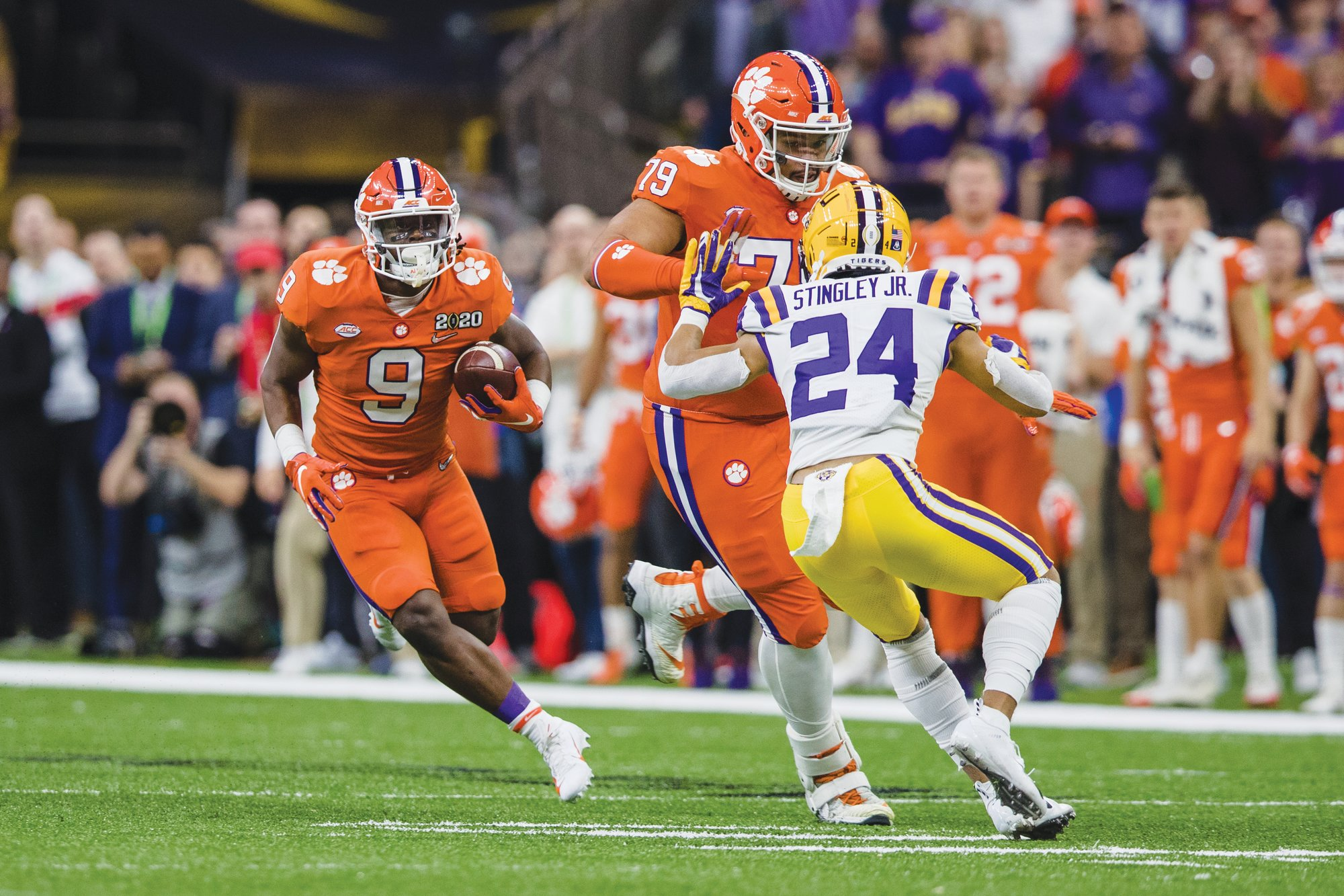 Clemson running back Travis Etienne (9) announced on Friday that he will be coming back to school for his senior season.