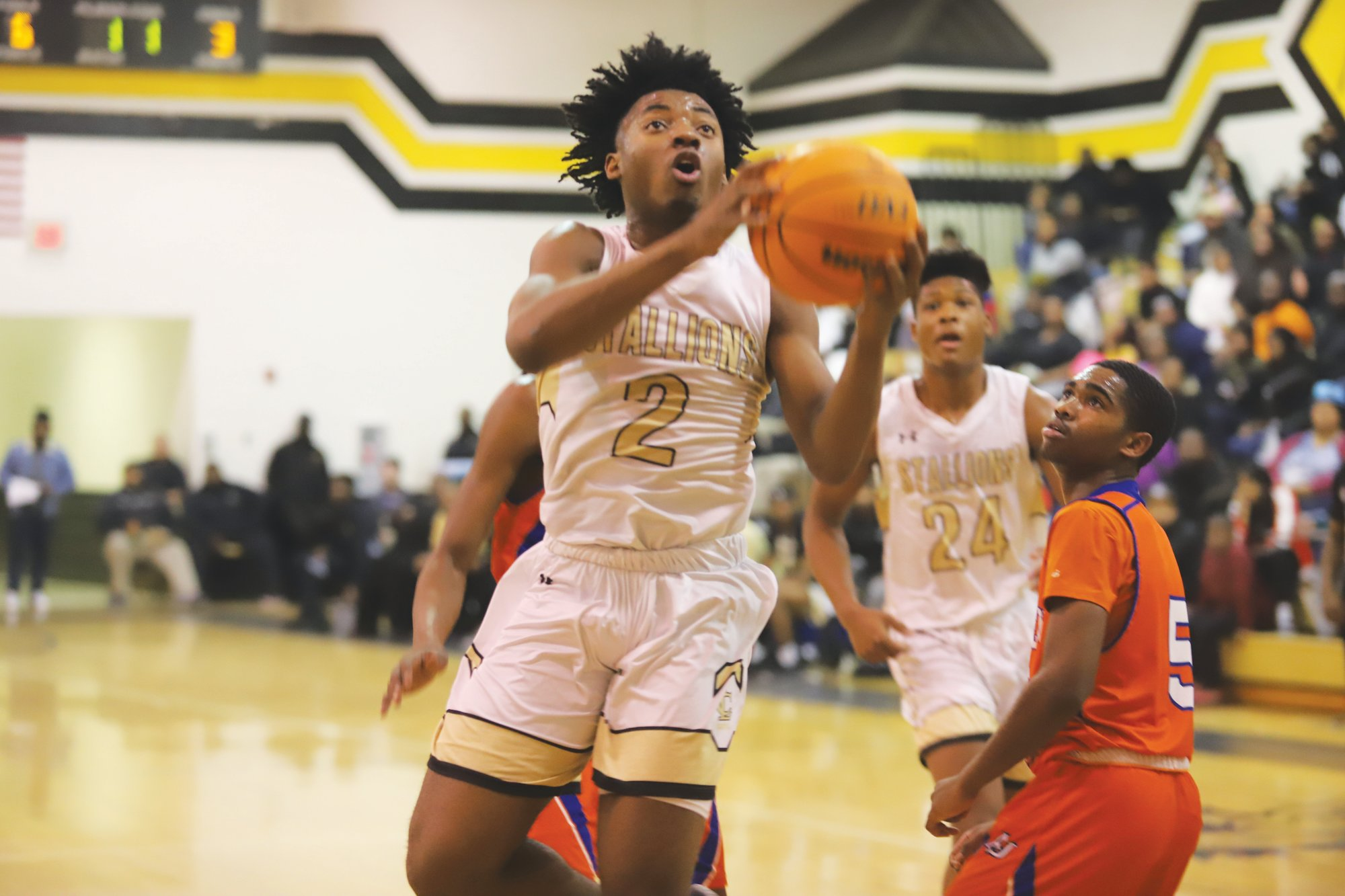 Lee Central's DaVeon Thomas drives to the basket during the Stallions' 64-57 win over Andrew Jackson on Tuesday. Thomas scored 16 points in the win, bringing him just 10 points shy of 1,000 points for his career.