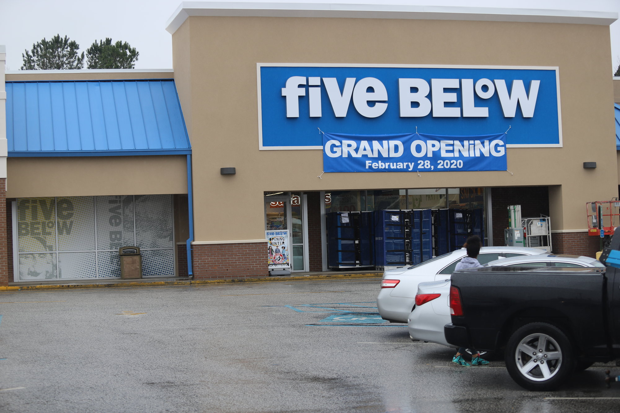 BRUCE MILLS /   THE SUMTER ITEMChain store Five Below in Gateway Plaza on Broad Street Extension will open Friday, Feb. 28, according to store officials.