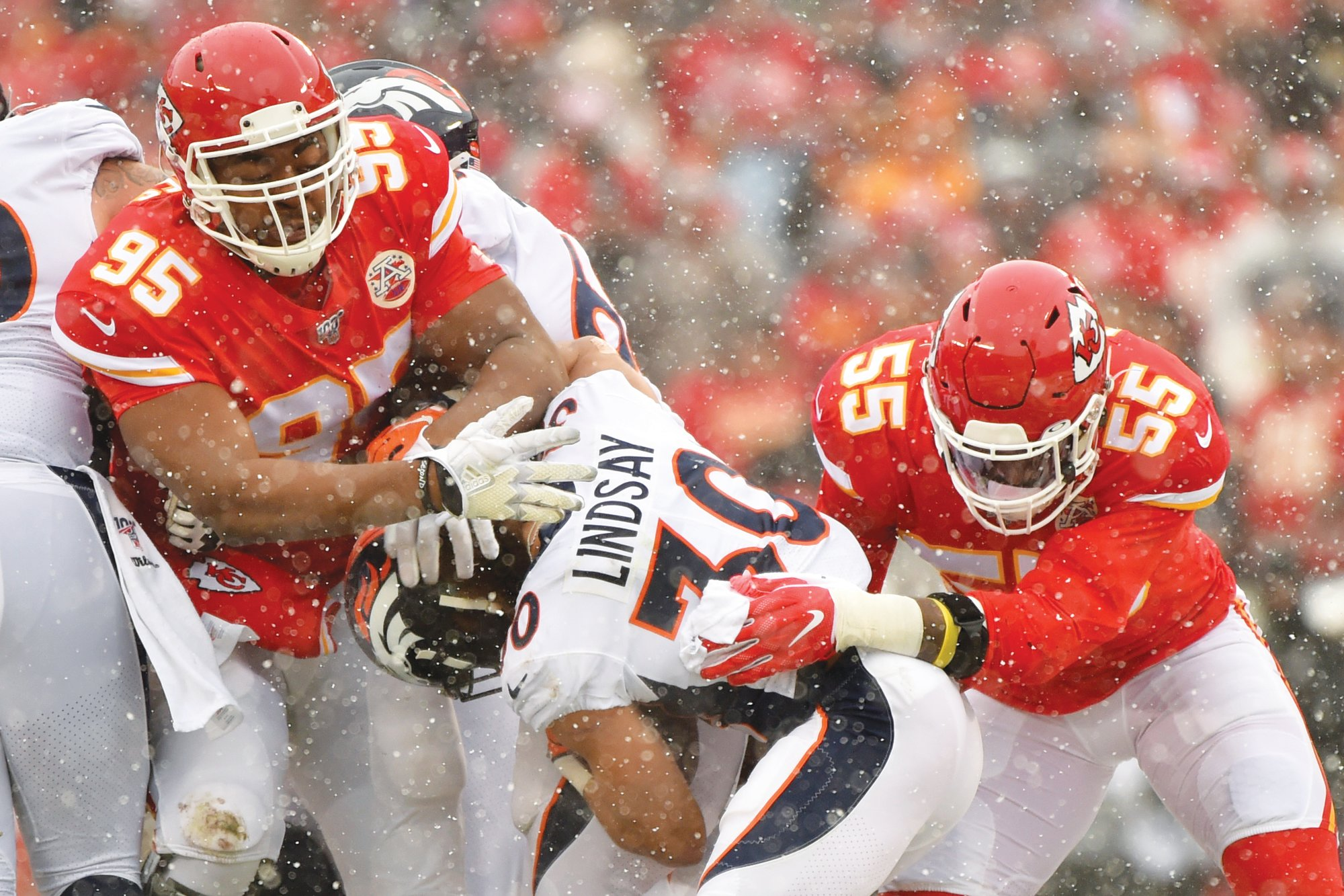 Kansas City defensive tackle Chris Jones (95) signed a 4-year extension with the Chiefs on Tuesday.