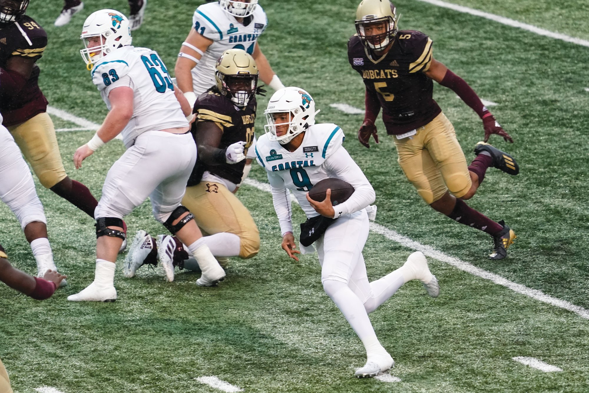 Coastal Carolina's Fred Payton (9) and the No. 14 Chanticleers host No. 8 BYU on Saturday.