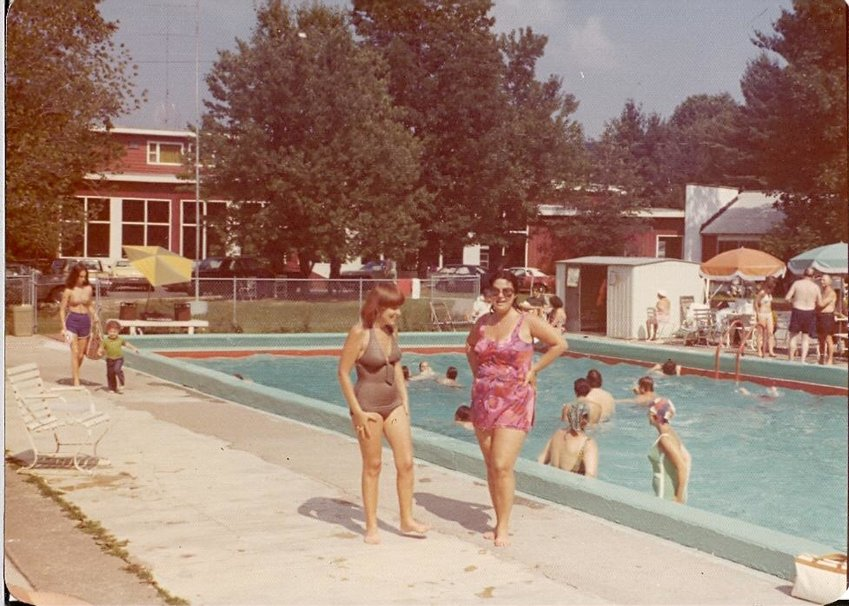 Vintage photo of Brookside Hotel pool