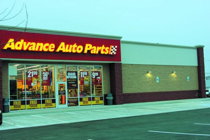 A ribbon cutting was held Dec. 20 for the Advance Auto Parts store at 4979 S. Broadway in Englewood. The opening of the store concludes the first phase of development of more than three acres that will include a Sprouts Farmer�s Market scheduled to open in June 2014.