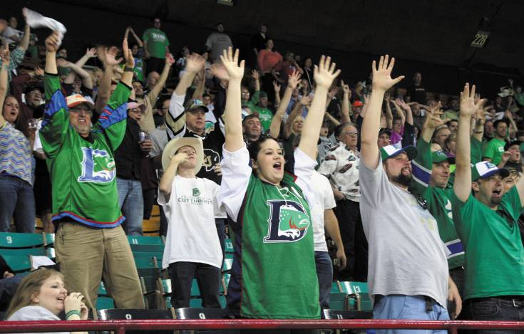 Despite losing their best player A.J. Gale to injury the Cutthroats� crowd tried to lift their team Saturday at the Denver Coliseum. The Cutthroats were beat 5-4 in overtime.