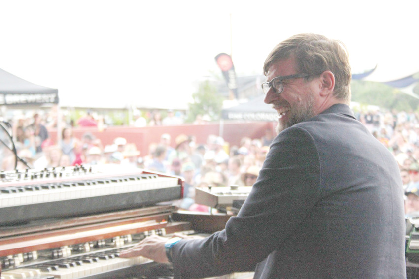 Robert Walter, keyboardist for Mike Gordon, tickles the ivories.