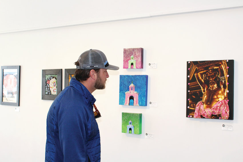Jesse Morvay takes some time over the weekend to visit NEXT Gallery.