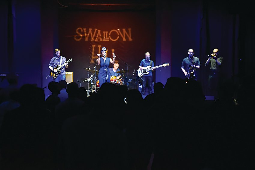 Swallow Hill Instructor Kim Dawson and her band close out Swallow Hill's One Epic Night fundraiser in May 2019. The fundraiser puts on several shows in each of Swallow Hill's three performance spaces throughout the night.