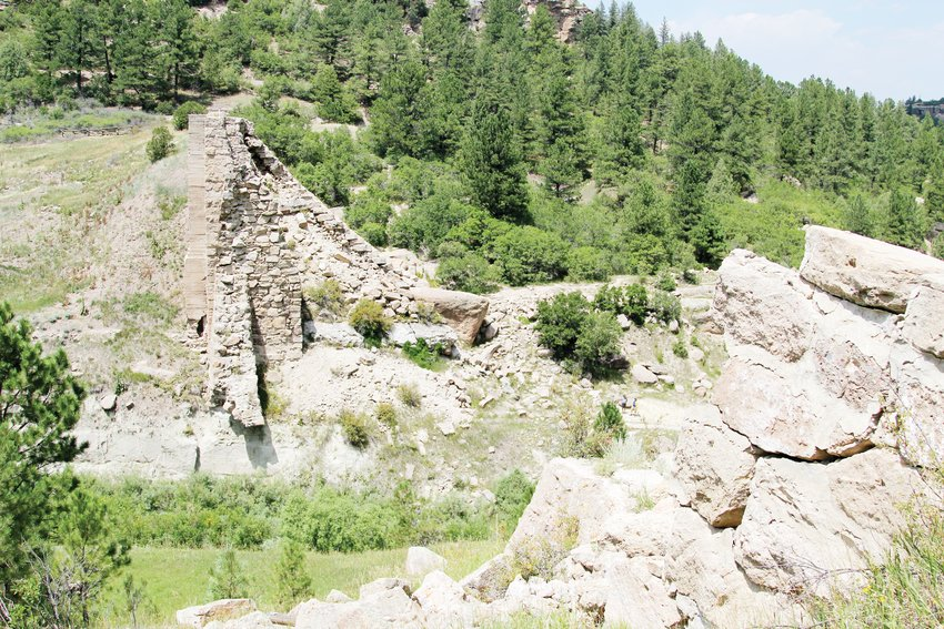 Trails take hikers to the top and base of what remains of the Castlewood Dam, which broke in 1933, causing major floods from areas near Franktown to Denver.