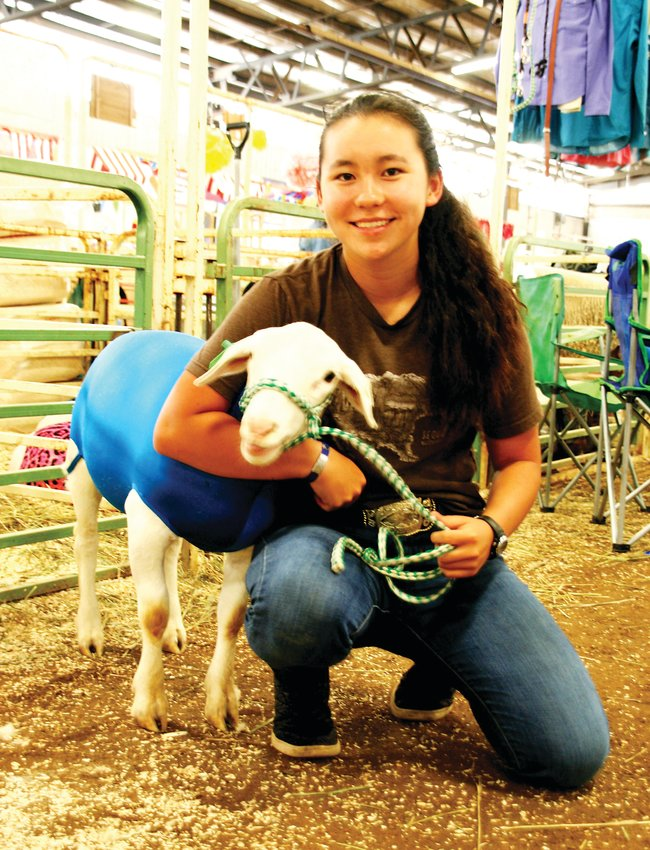 Natalie Lowman at the 2019 Jeffco 4-H Fair.