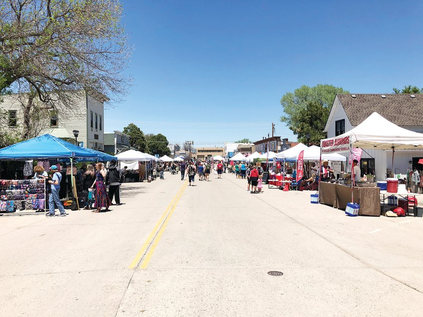 Main Street lined with vendors for 2021 ElizaBash.