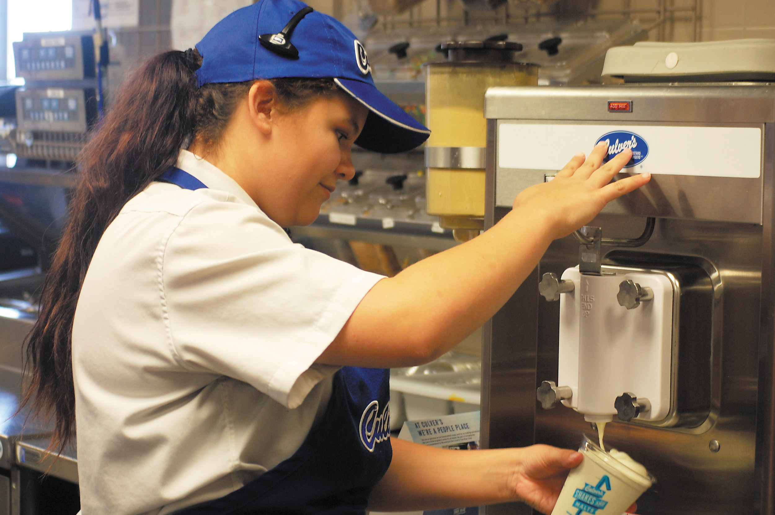 news parker colorado net caela mortimore 17 works the ice cream machine in the kitchen of culver s restaurant