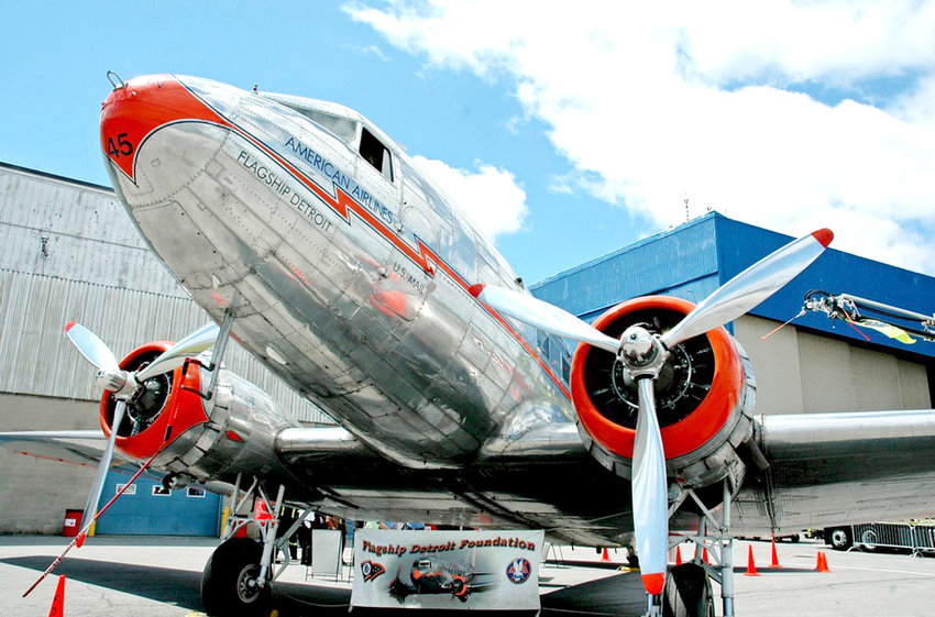 THE FLAGSHIP DETROIT, a vintage McDonnel Douglas DC3 passenger plane formerly operated by American Airlines, will be landing in Cleveland this weekend for a two-day visit.