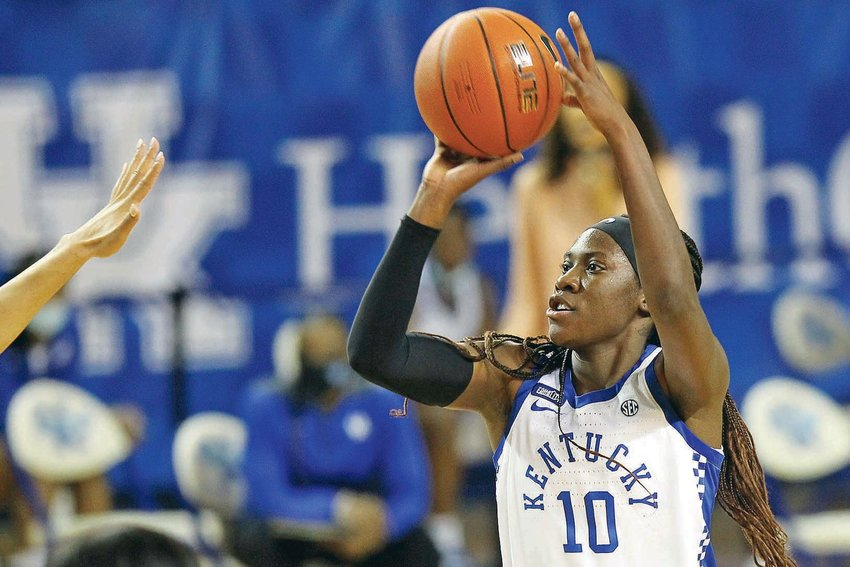 KENTUCKY JUNIOR Rhyne Howard (10) puts up two of her 32 points in Sunday's SEC battle with No. 5 South Carolina, in Lexington, Ky.