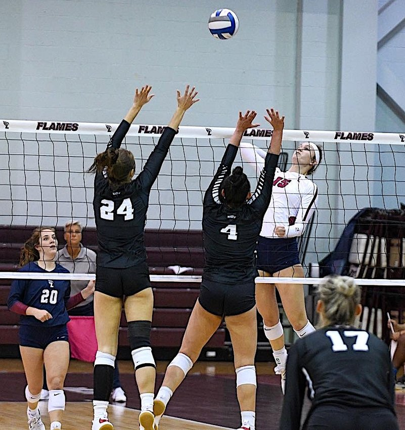LADY FLAMES' senior Emma Flowers had 18 kills in Tuesday's win over Valdosta State.